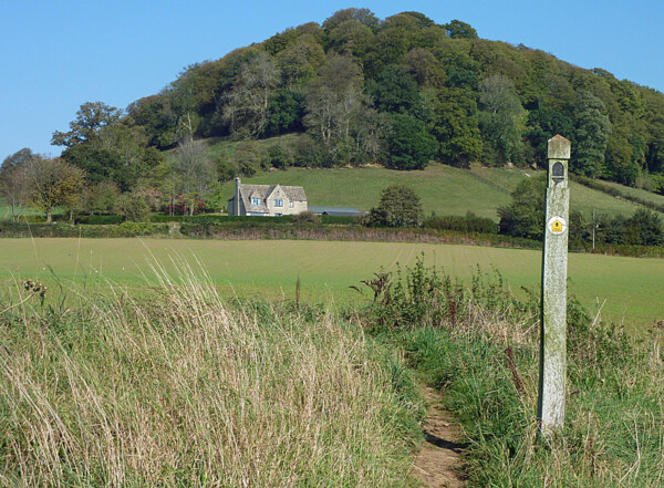 Approaching Stinchcombe Hill