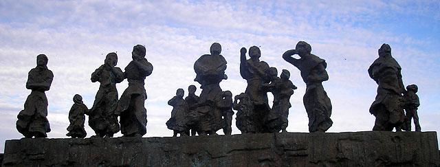 Burnmouth memorial